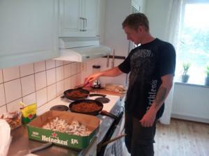 Jens torkar mat