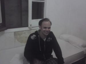 Nöjd Daniel på sitt rum