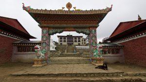 Porten till templet i Tyngboche. Foto: Conny Andersson