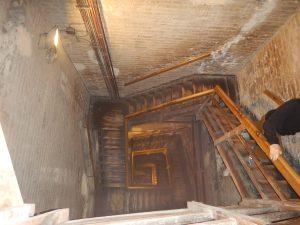 Många trappor i Torre Asinelli