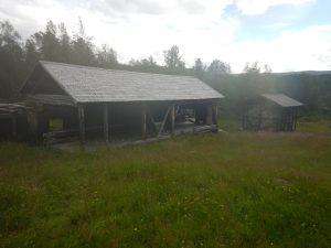 Gamla byggnader från tiden då smältverket låg i Adolfström